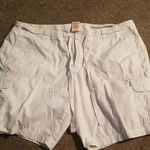 Faded Glory size 16 off -white shorts